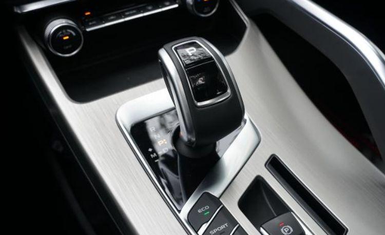 驾驶乐趣多重要?它能让90后本田粉弃XR-V选缤越|聚访