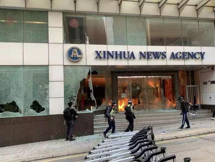 ea最新游戏|328国道江苏仪征段一货车与面包车相撞已致2死2伤