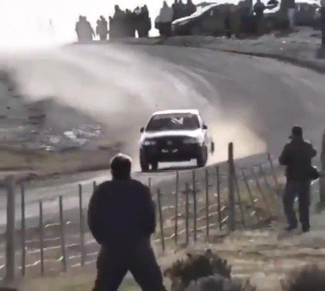 汽车视觉 拉力赛:从不知道刹车是什么,踩住油门干就完了!