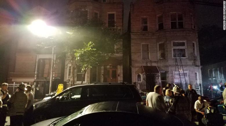 美国芝加哥一居民楼发生火灾造成8死 包括6名儿童