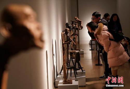 """""""匠心入木——李先海雕塑艺术展""""在中国美术馆开幕"""