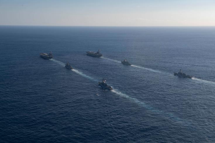 美军里根号航母编队进入中国南海(图)