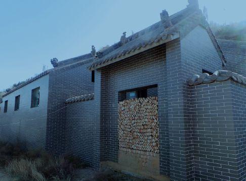 张中生在吕梁二郎坪为自己所建的别墅,因其落马已经停工。摄影/周群峰