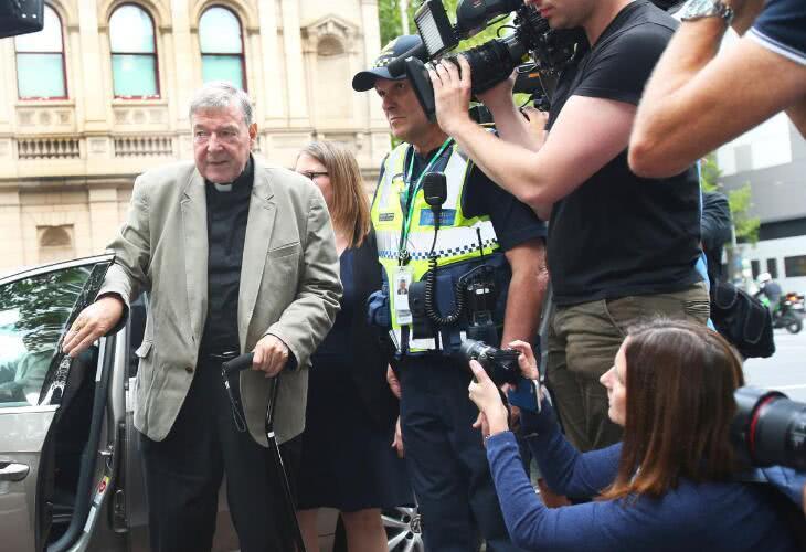 """梵蒂冈前""""三号人物""""乔治·佩尔性侵罪成立 恐面临50年监禁"""