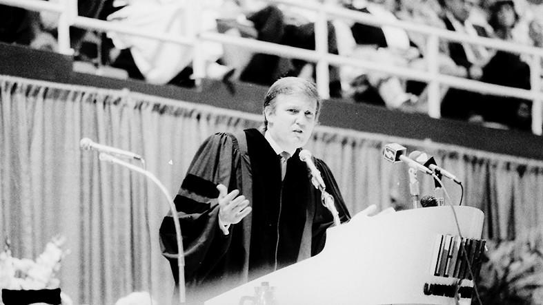 1988年6月5日,特朗普在里海大学演讲时痛批日本。