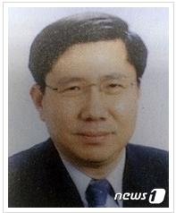 朴槿惠案二审主审法官金文锡