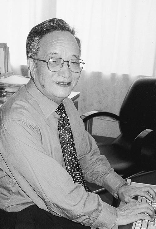 黑龙江省第一所民办大学主要创办人之一周长源逝世
