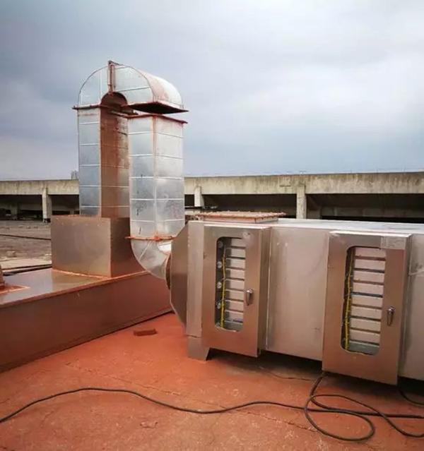 被江西汇仁药业有限公司擅自截断的UV光催化塔进气管道