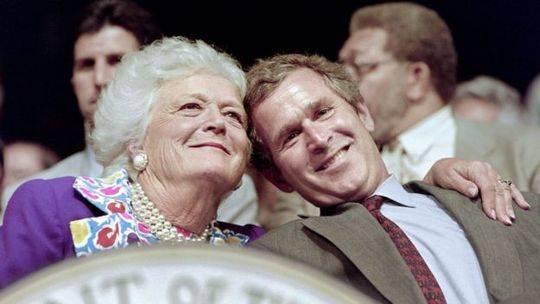 芭芭拉没想到大儿子小布什能赢得德州州长的竞选胜利