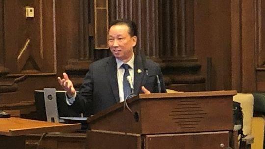 美国230年来首位华裔法警诞生,曾参与波士顿马拉松爆炸调查