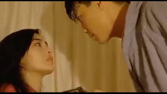 李嘉欣最羞耻的电影片段,看得面红耳赤!