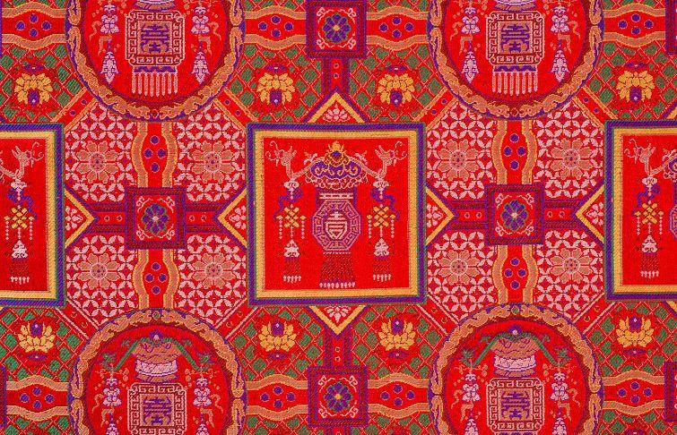 蜀锦与服装的结合 蜀锦的美,是这短短的篇幅所描述不完的,周日晚的图片