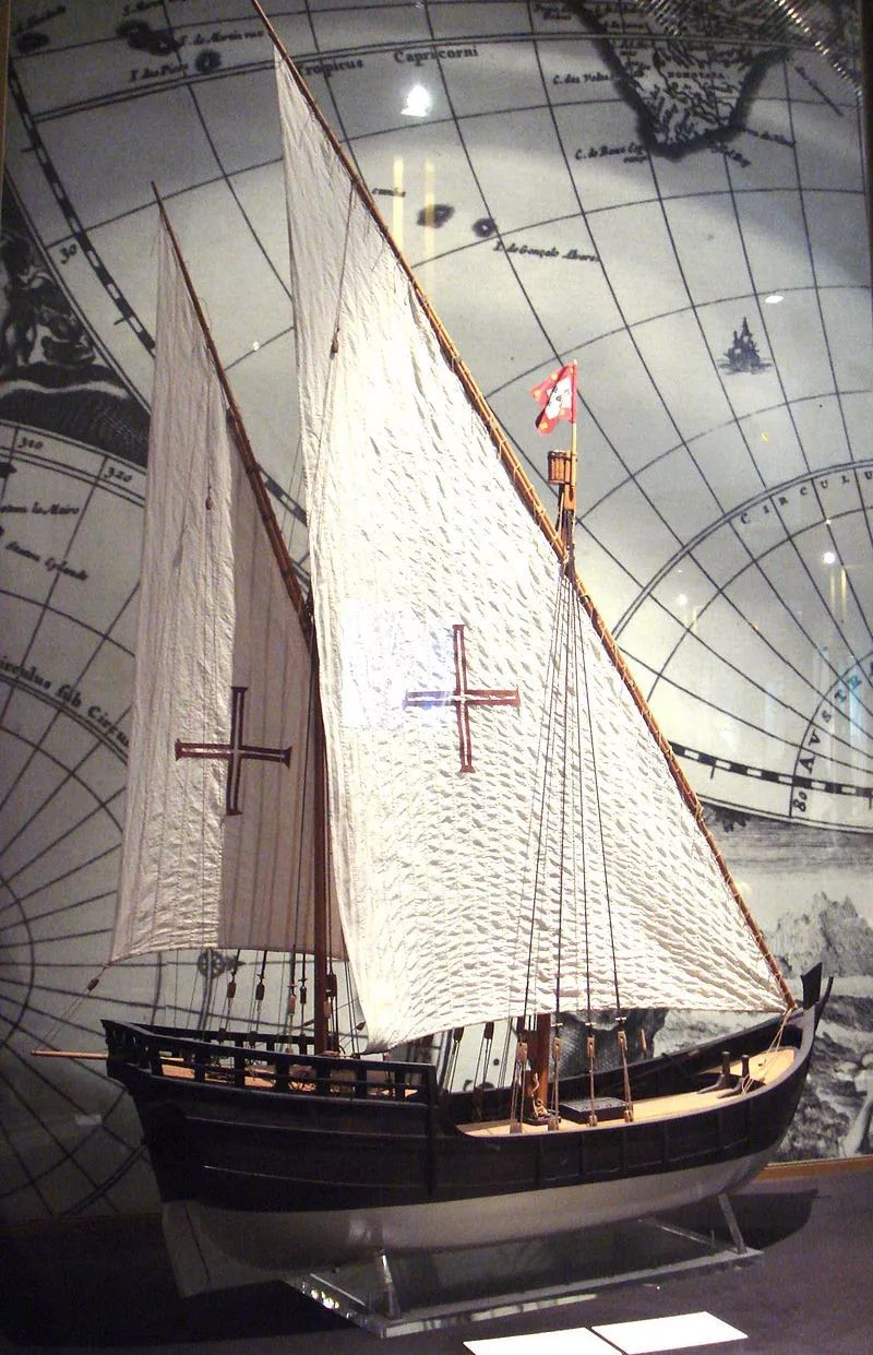 ▲盛行于15世纪的卡拉维尔帆船,在大航海时代常被用作远洋航行。(维基百科)