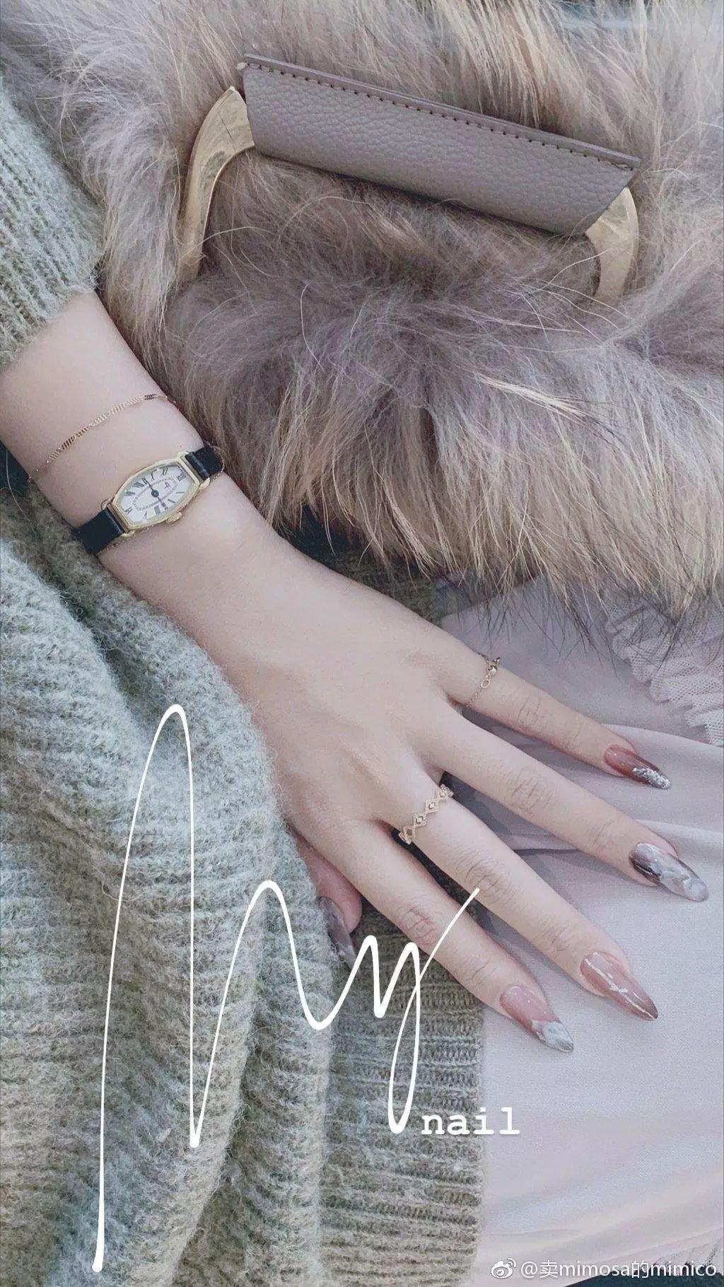 当你做个美甲就自诩精致的时候,这些女人已经开始研究把指甲变成艺术品了