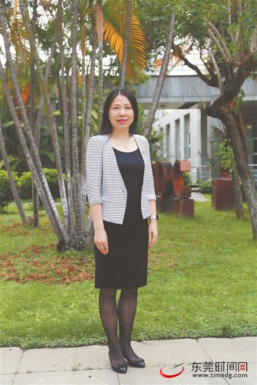 摩鑫,会预热|摩鑫全国政协委员张巧利建议修图片
