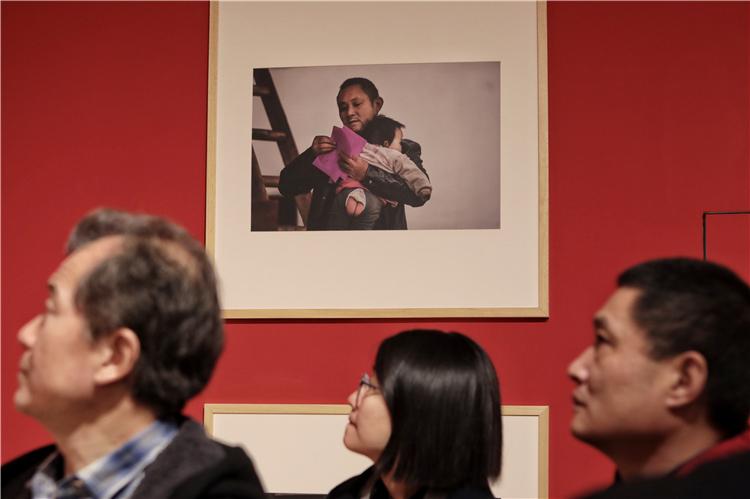 改革开放四十周年摄影展在天桥艺术中心开展