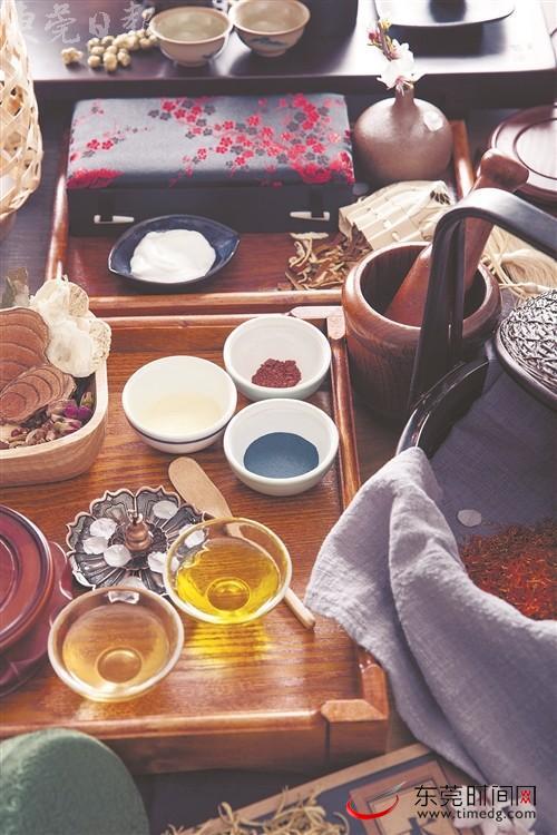 """跟随茶人""""茶为纸墨绘丹青"""" 一起感受点茶乐趣"""