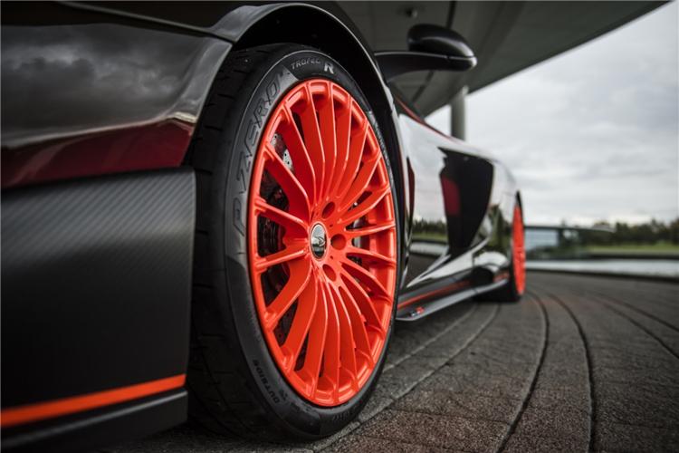 """迈凯伦打造675LT定制版车型  F1 GTR""""长尾""""赛车涂装"""