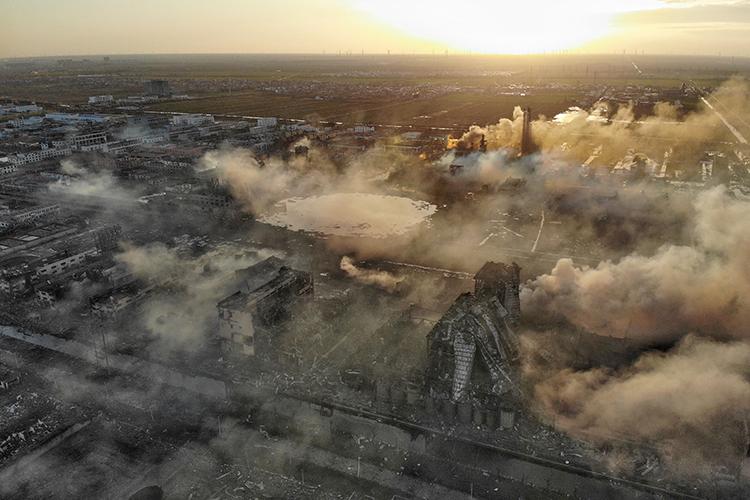 江苏响水化工厂爆炸事故已造成44人死亡  航拍
