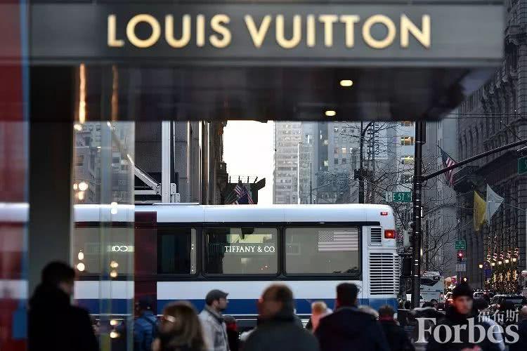 自收购蒂芙尼后,伯纳德阿尔诺的财富激增近30亿美元