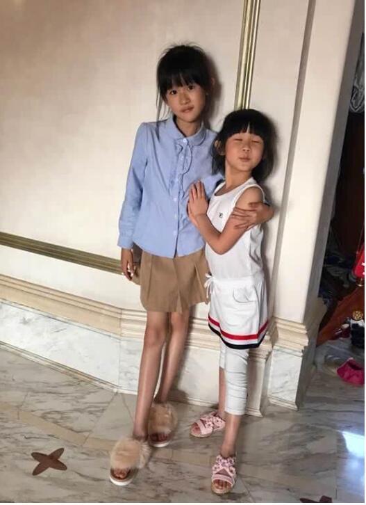 陆毅送女儿上学,网友责怪鲍蕾:妹妹竟和姐姐一样瘦了