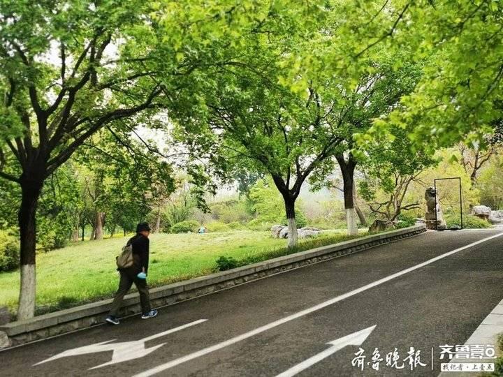 济南14家公园风景区延长开放时间,晨练市民有序入园