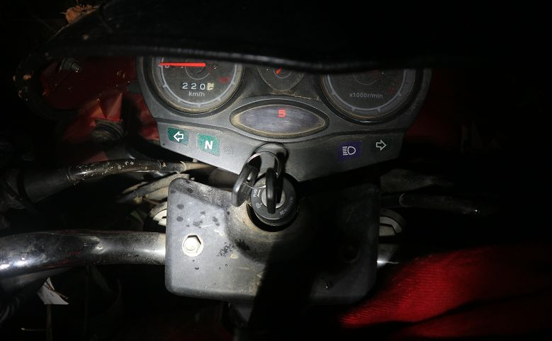 △ 摩托车仪表盘上还显示着事发时的档位。