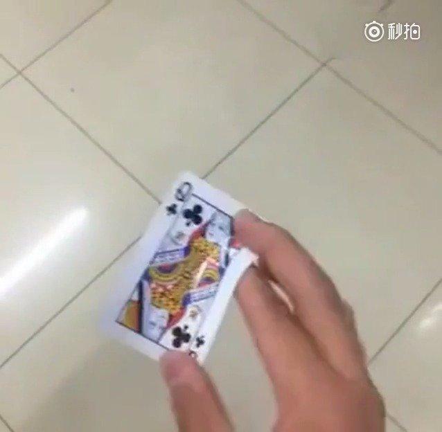 回旋扑克动作要领
