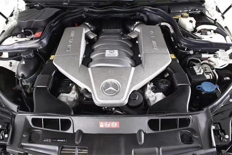 【车极品】奔驰C63卖着轿跑的价格,却拥有超跑的实力!
