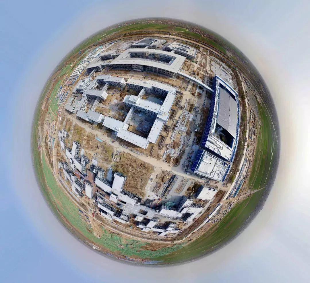 △资料图:3月29日,无人机航拍雄安新区第一个标志性建筑群――雄安市民服务中心。(图/视觉中国)