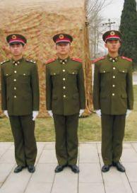 """""""0四""""式军服中的士兵冬常服"""