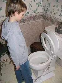 马桶盖子是JJ杀手,光美国每年超过1000个男孩被夹伤JJ