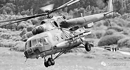 """搭载""""杠杆-AV""""电子战系统的米-8直升机(环球时报)"""