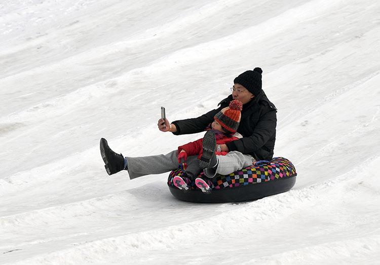 去北京国际雕塑园 感受冰雪冬奥乐趣