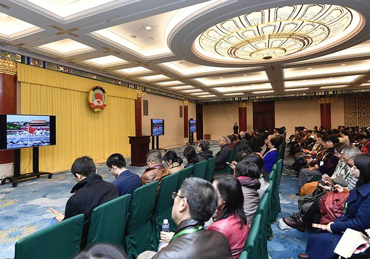 缅甸小勐拉嫖娼多少钱,市委常委班子召开专题民主生活会