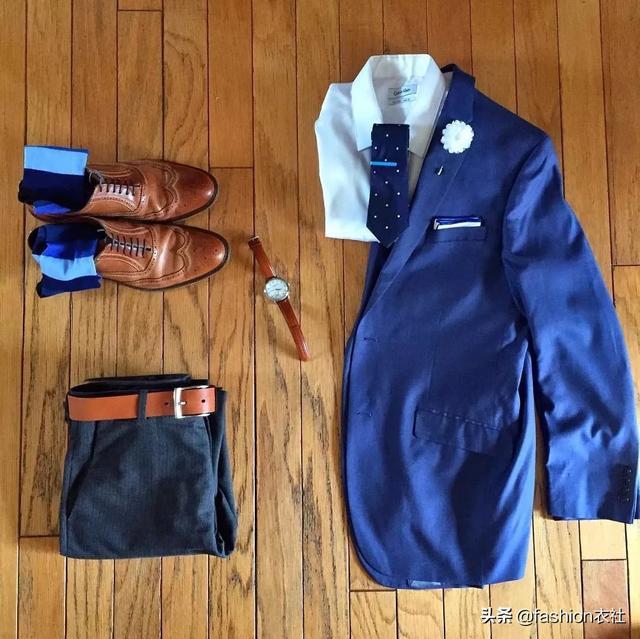 蓝西装+白衬衫,男士一穿上秒变型男