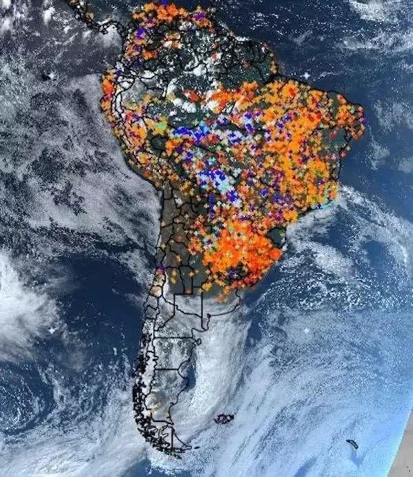 大火肆虐亚马逊雨林,千里之外的欧盟能做什么?