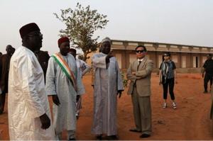 驻尼日尔大使张立军赴总统家乡考察教育项目