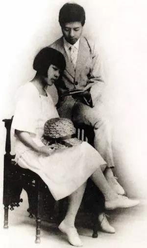 前卫女性丁玲的一生,不只有才女八卦和浪漫传奇