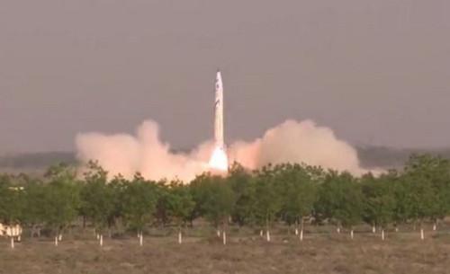 """""""重庆两江之星""""OS-X火箭17日点火升空(新加坡《联合早报》网站)"""
