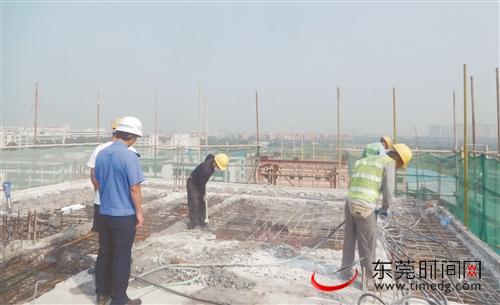 东莞多镇开展违法建筑拆除行动:铁腕整治违建,消除安全隐患