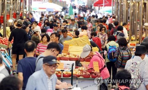 韩国人消费生活调查:吃住最为先