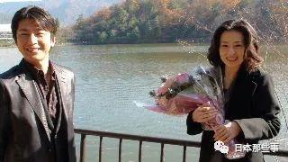 2011年7月27日,两人办理了结婚手续。