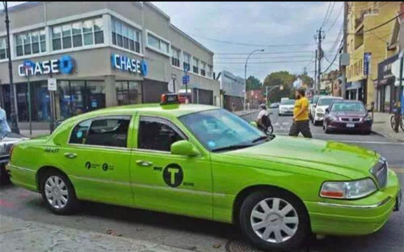 紐約少數出租車外觀爲綠色,該類顏色出租車不能到機場載客。圖片來源/中國駐紐約總領館微信公告截圖