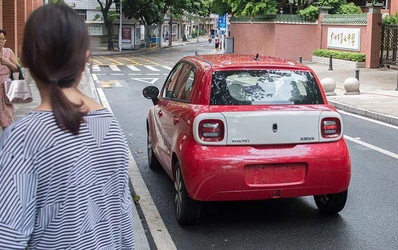 颜值比性能更重要,这辆自主EV小车才是年轻人喜欢的样子