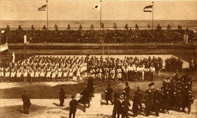 (图为1927年日本代表团赴上海参加第8届远东运动会)