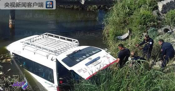 一辆埃及大巴发生车祸 造成中国游客3人死亡8人受伤