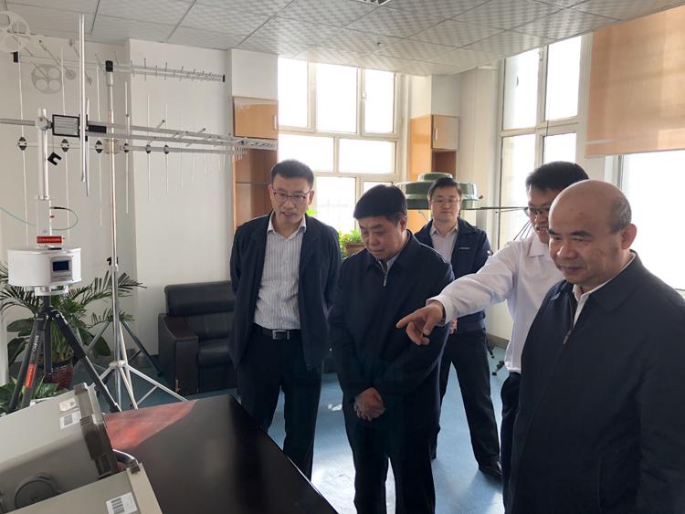 张峰赴新疆维吾尔自治区调研无线电管理技术设施建设情况