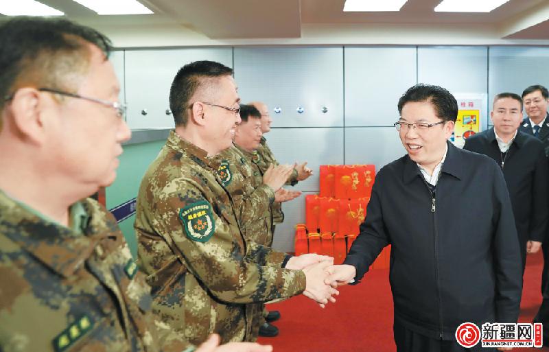 徐海荣看望慰问一线公安民警