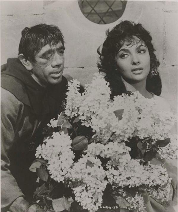 1956年版電影《巴黎聖母院》劇照(資料圖片)